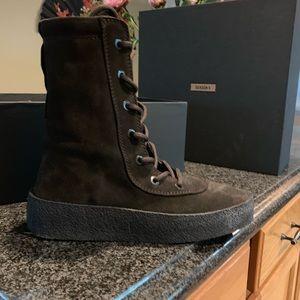 Yeezy season 4 boot